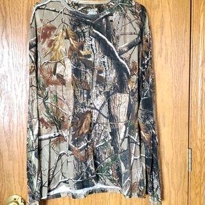 NWT Realtree shirt